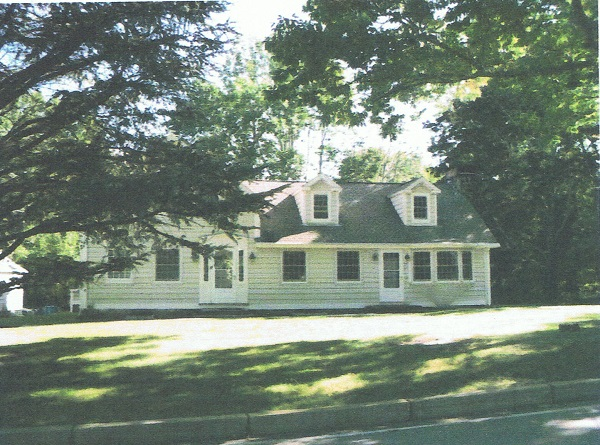 2266-middle-road-spencer-house-2010
